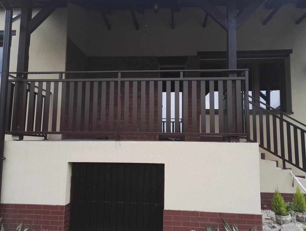 Balustrada deskowa zewnętrzna ta